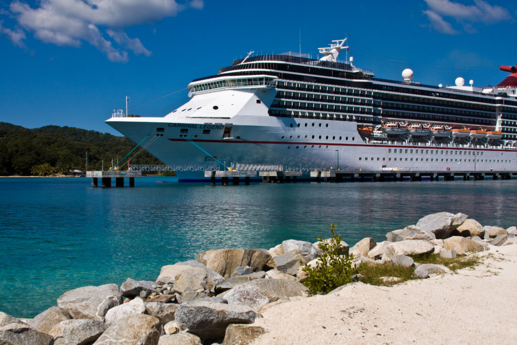 cruise_ship_carnival_legend_docked_in_roatan_honduras_-_december_2010